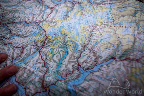 Mapa da área de Sogndal, para onde estávamos indo. O casal de noruegueses nos deram dicas de lugares para parar e dormir.