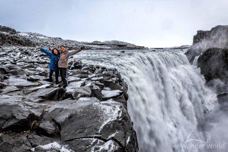 iceland-dettifoss-selfoss-waterfall-snow-winter-october
