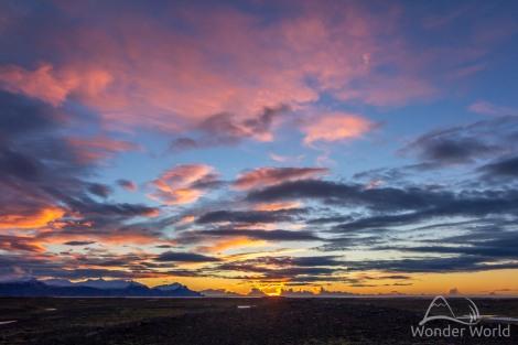 iceland-flaajokull-glacier-morning-sunrise